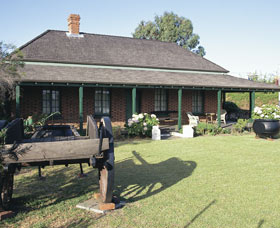 King Cottage Museum - Attractions