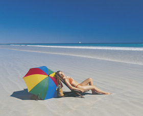 Cable Beach - Attractions