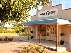 Peter Franz Fine Art Gallery - Attractions