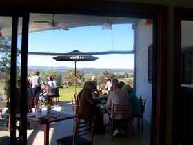 Tenafeate Creek Wines - Attractions