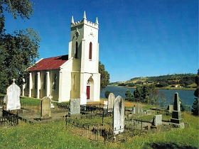 St Matthias Anglican Church - Attractions