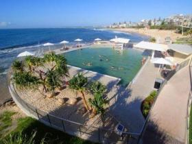 Kings Beach - Beachfront Salt Water Pool