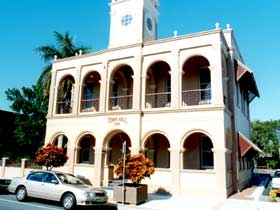 Mackay Town Hall - Attractions