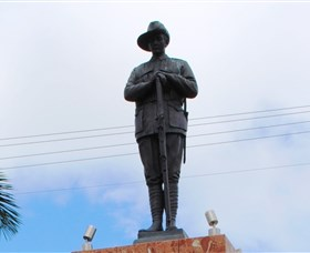 Charters Towers Memorial Cenotaph - Attractions