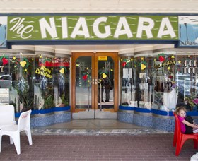 Niagra Cafe - Attractions