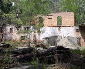 Newnes Shale Oil Ruins - Attractions