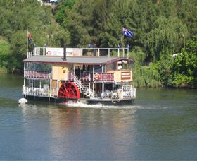 Hawkesbury Paddlewheeler - Attractions
