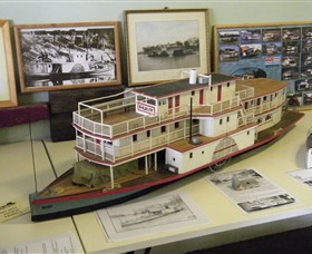 Wentworth Model Paddlesteamer Display - Attractions