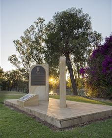 St George Pilots Memorial - Attractions