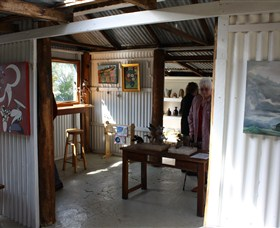 Tin Shed Gallery - Attractions