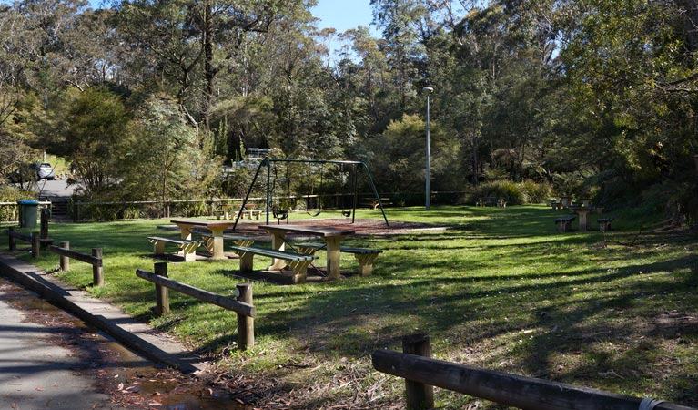 Gordon Falls lookout and picnic area - Attractions