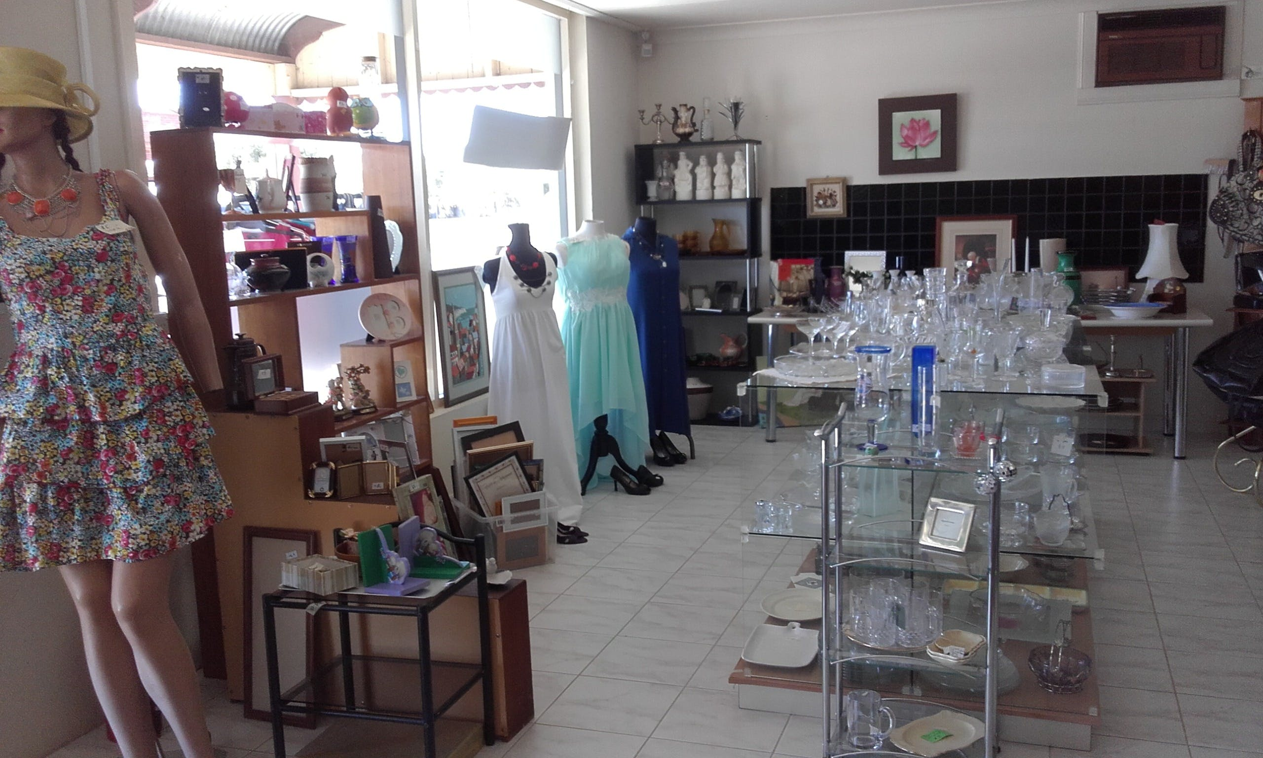 Hunters Haven Anglican Op Shop - Attractions