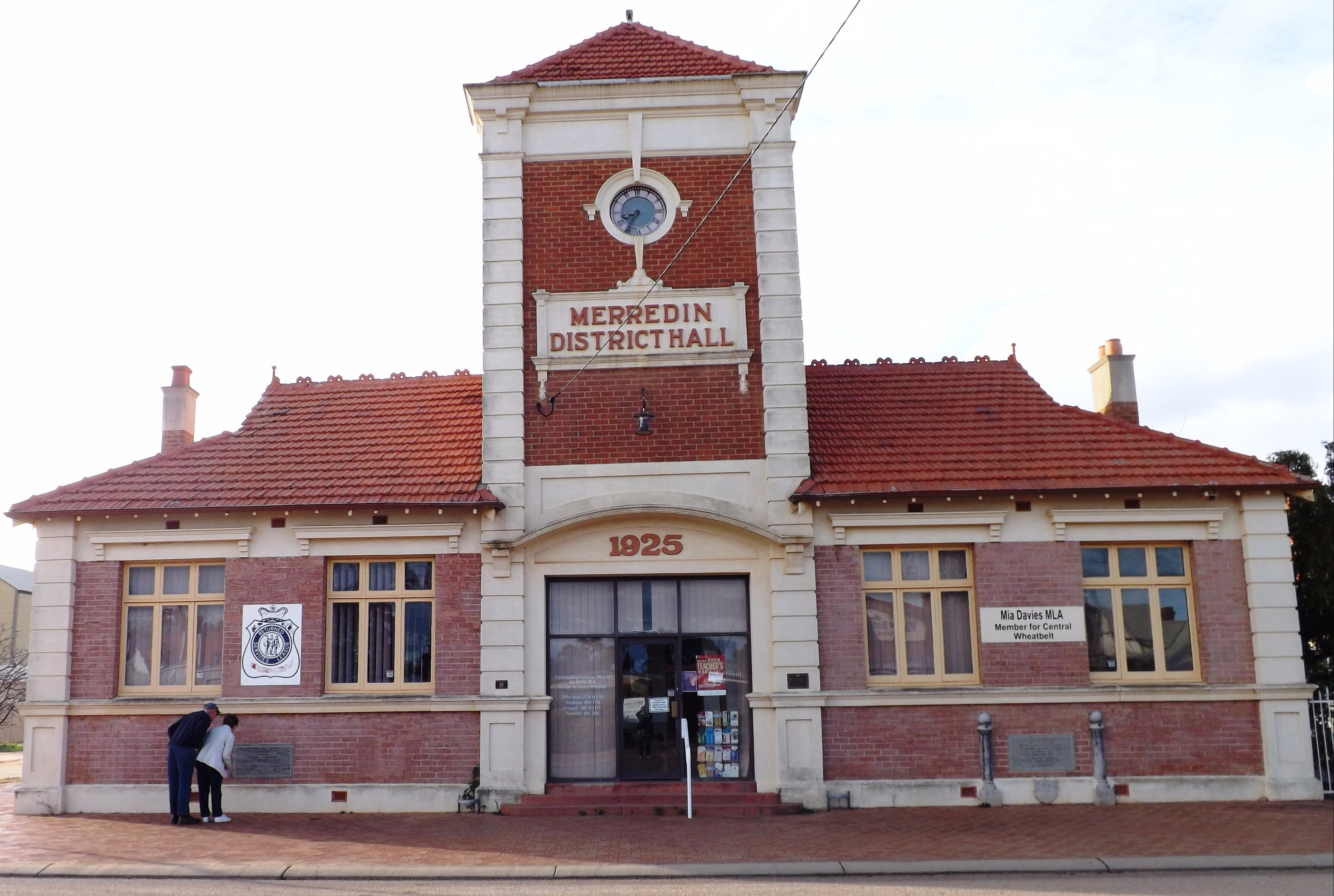 Merredin Town Hall - Attractions