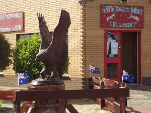 Ant's Redgum Gallery - Attractions