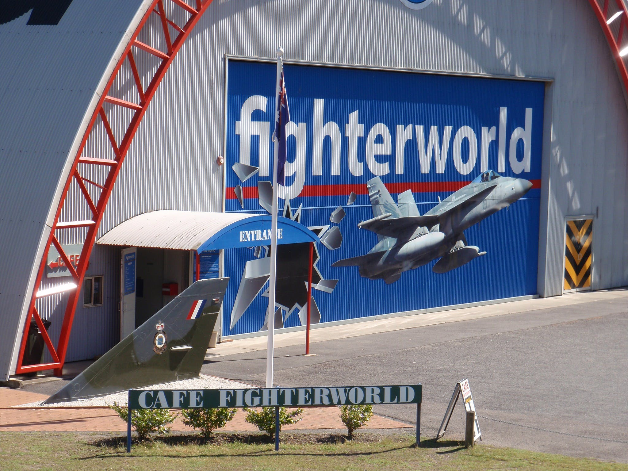 Fighter World - Attractions