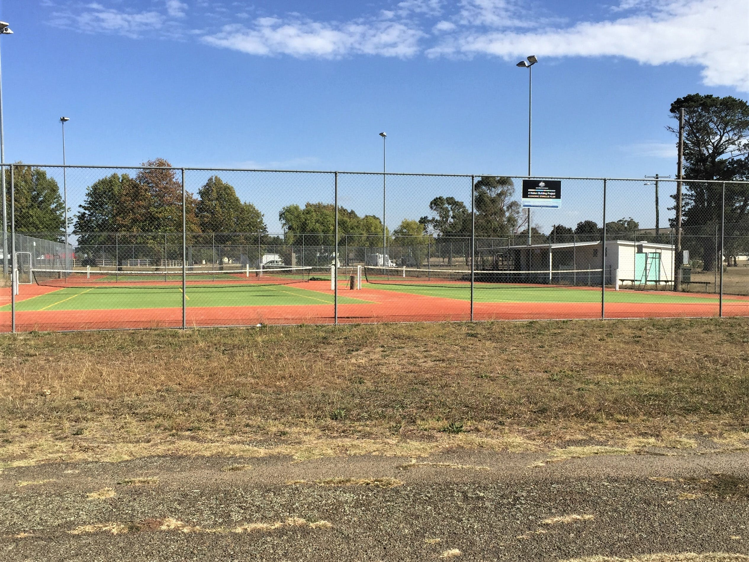 Gunning Tennis Courts - Attractions