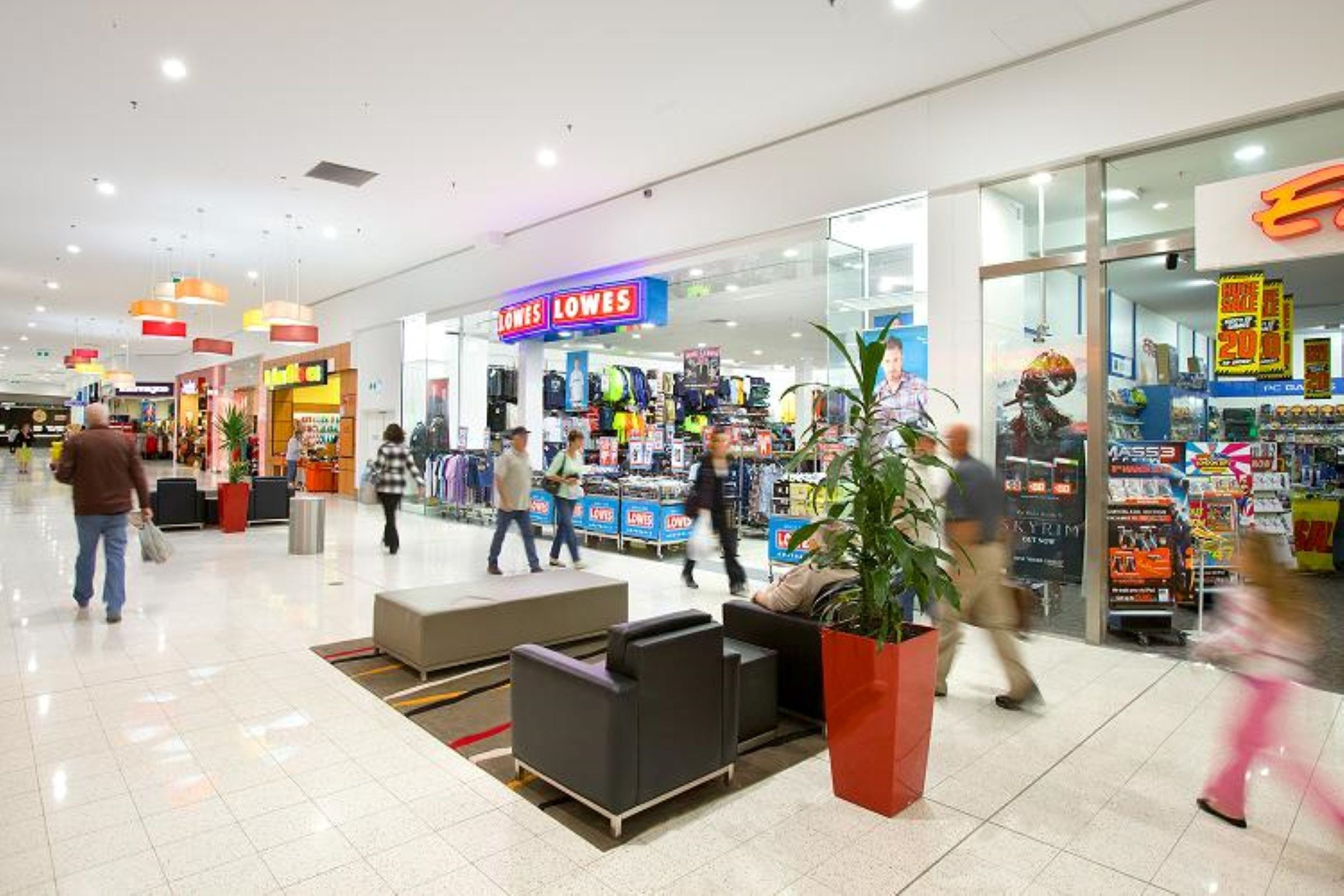 Gateway Plaza Shopping Centre - Attractions