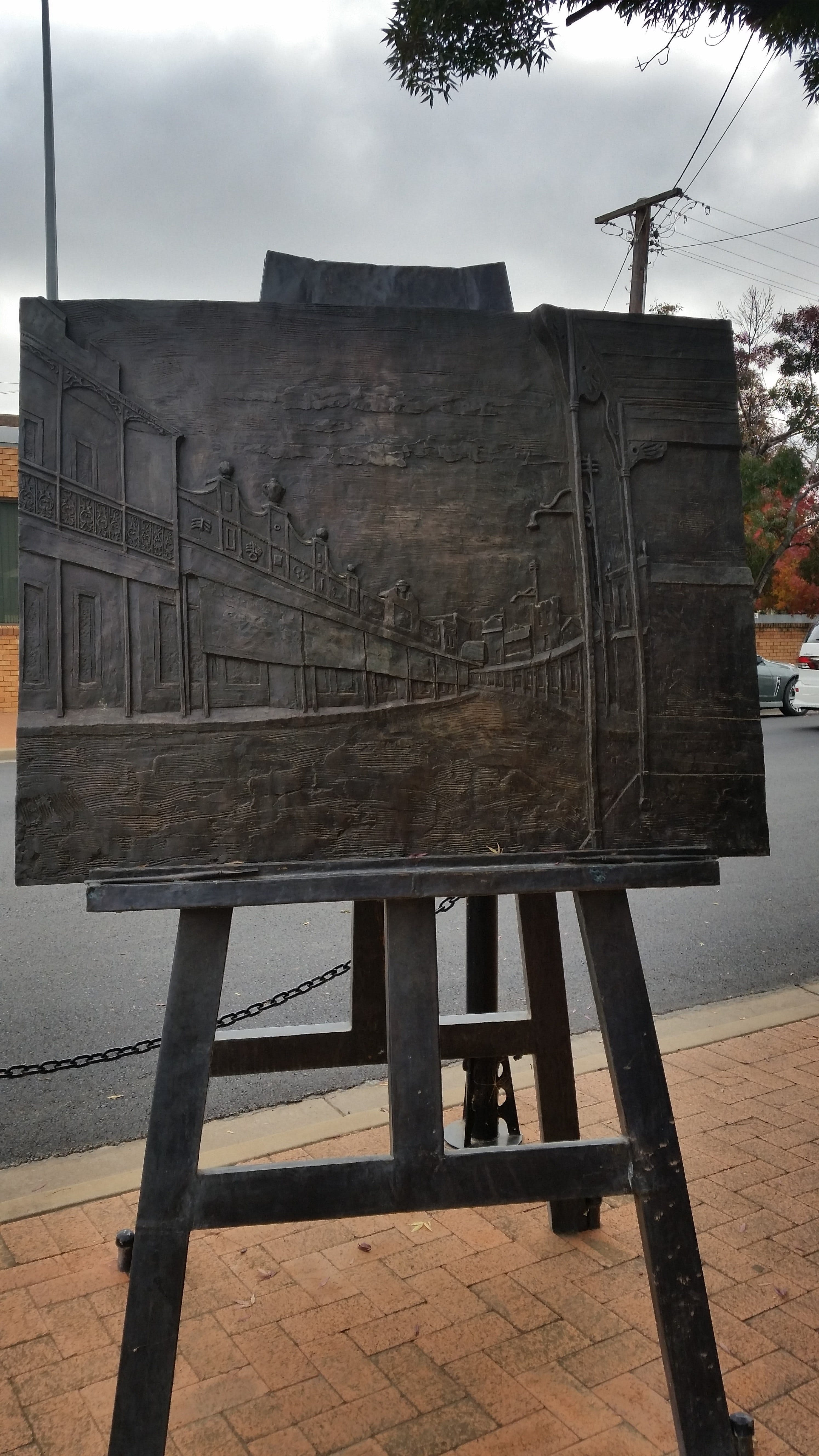 Russell Drysdale Easel Sculpture - Attractions