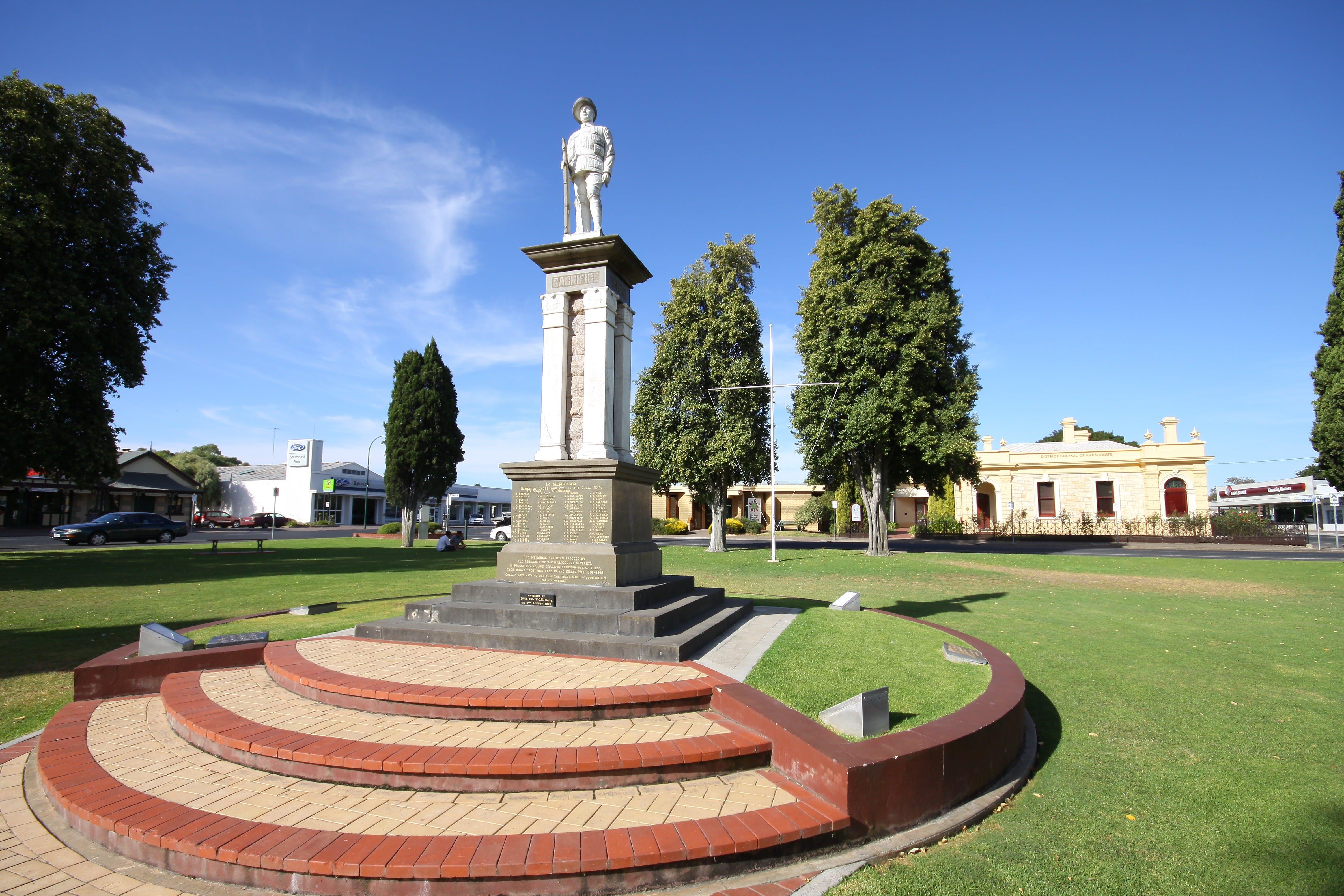 Naracoorte Town Square - Attractions